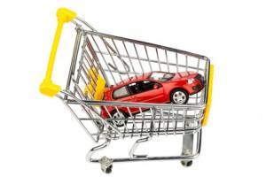 Auto in Einkaufswagen